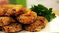 lezzetli ve geleneksel köftelerden kadınbudu köfte tarifi