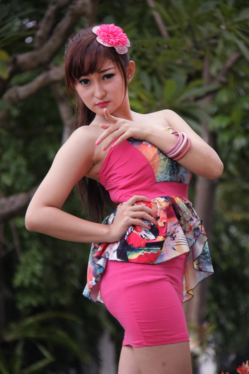 Chant Felicia model cantik nyeplak celana dalam rok mini ketat