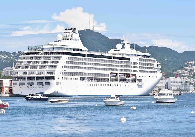Llegan a Acapulco más de mil turistas a bordo del Seven Seas Mariner