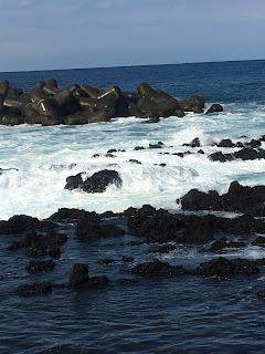 岡田港で見た海①