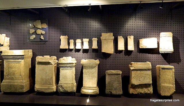 Lápides e marcos da Coleção Romana do Museu de Arqueologia de Lisboa