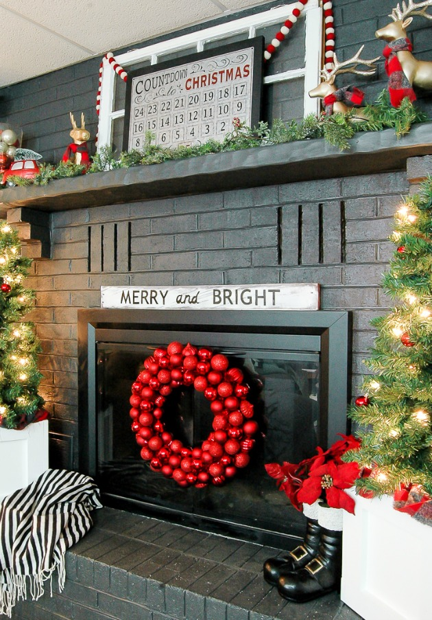 Modern classic Christmas fireplace mantel