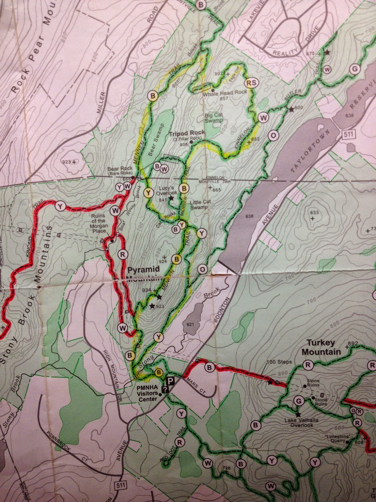Pyramid Mountain Trail Map - 5 mile loop highlighted in yellow