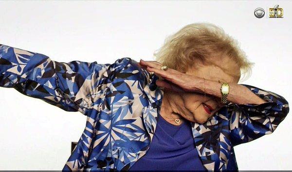 Watch tv legend Betty White Dab on em!
