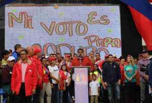 Maduro: Estoy pensando en un premio para los que voten el 20 de mayo