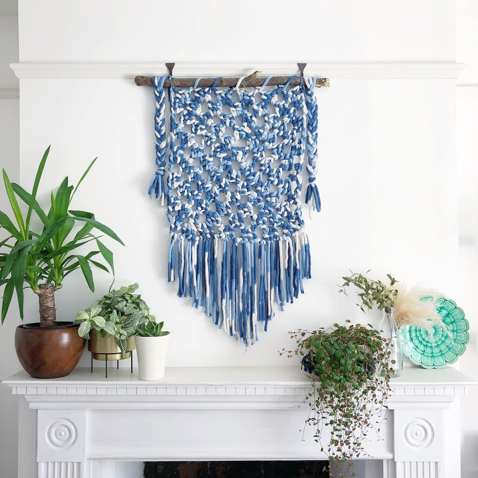 Giant Granny Square Wallhanging - free crochet pattern