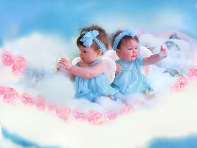 playing-cute-doll-babies-with-bubbles-imges