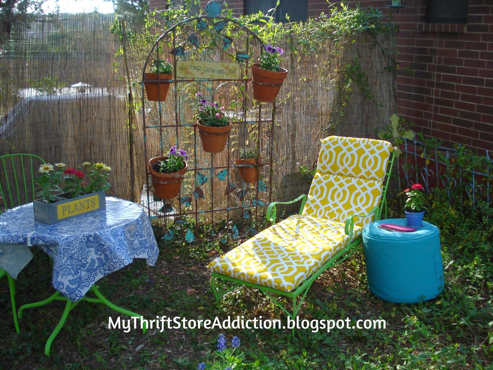 Cozy garden nook