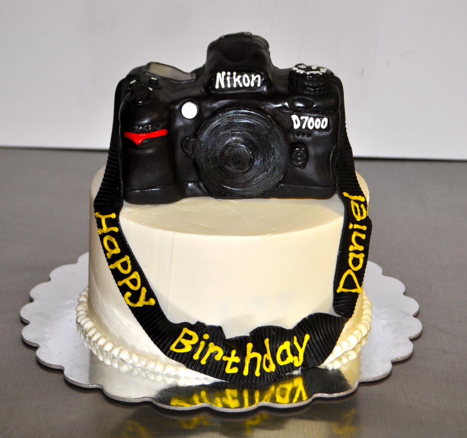 Awe Inspiring Leahs Sweet Treats Nikon D7000 Camera Cake Personalised Birthday Cards Sponlily Jamesorg