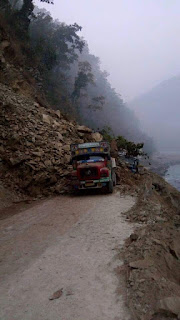 Sikkim Bengal border landslide stretches NH 10 kills people