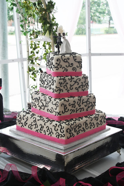 hot wedding cakes pink amp black wedding cake 15343