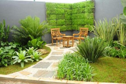 Rear Garden Design House Comfortable for Family