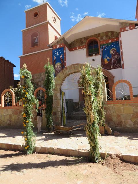 Die Pfarrkirche in Esmoraca Bolivien