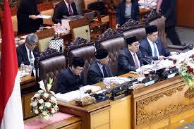 Bamus DPR putuskan tunda tindaklanjut hak angket KPK