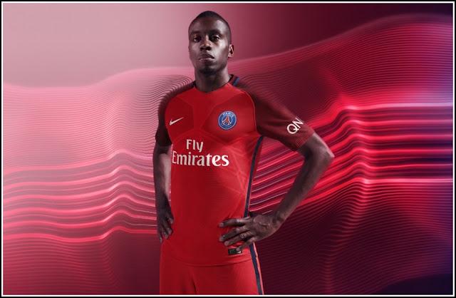 Paris Saint-Germain 16-17 Away Kit