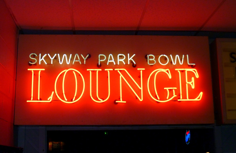 skyway park bowl and casino