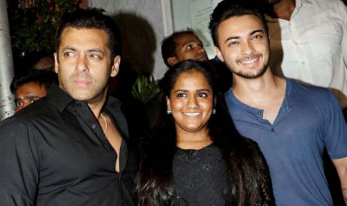 Aayush Sharma With His Wife Arpita Sharma And Salman Khan