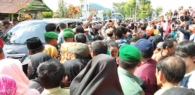 Dikepung Massa, Jokowi Batal Resmikan Kantor Balaikota Palopo