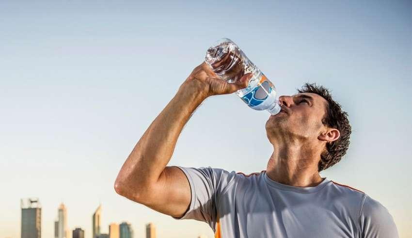 Água Eletrolítica: Benefícios e Mitos