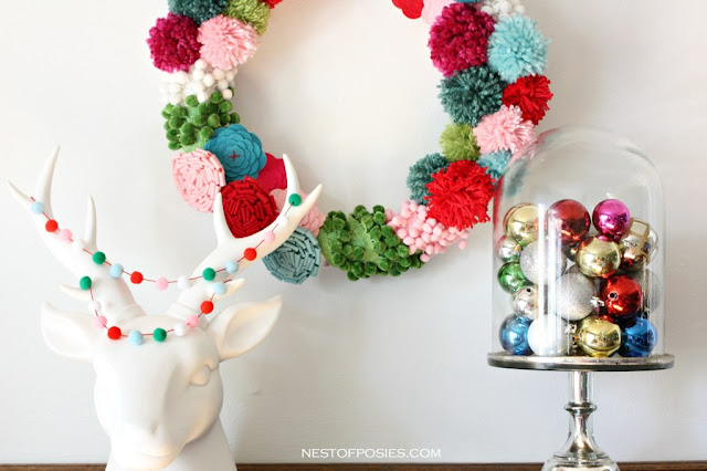 Pom pom wreath - Nest of posies