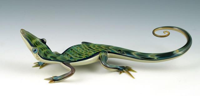 18-Green-Rippleback-Skink-Scott-Bisson-Glass-Sea-and-Land-Animals-www-designstack-co