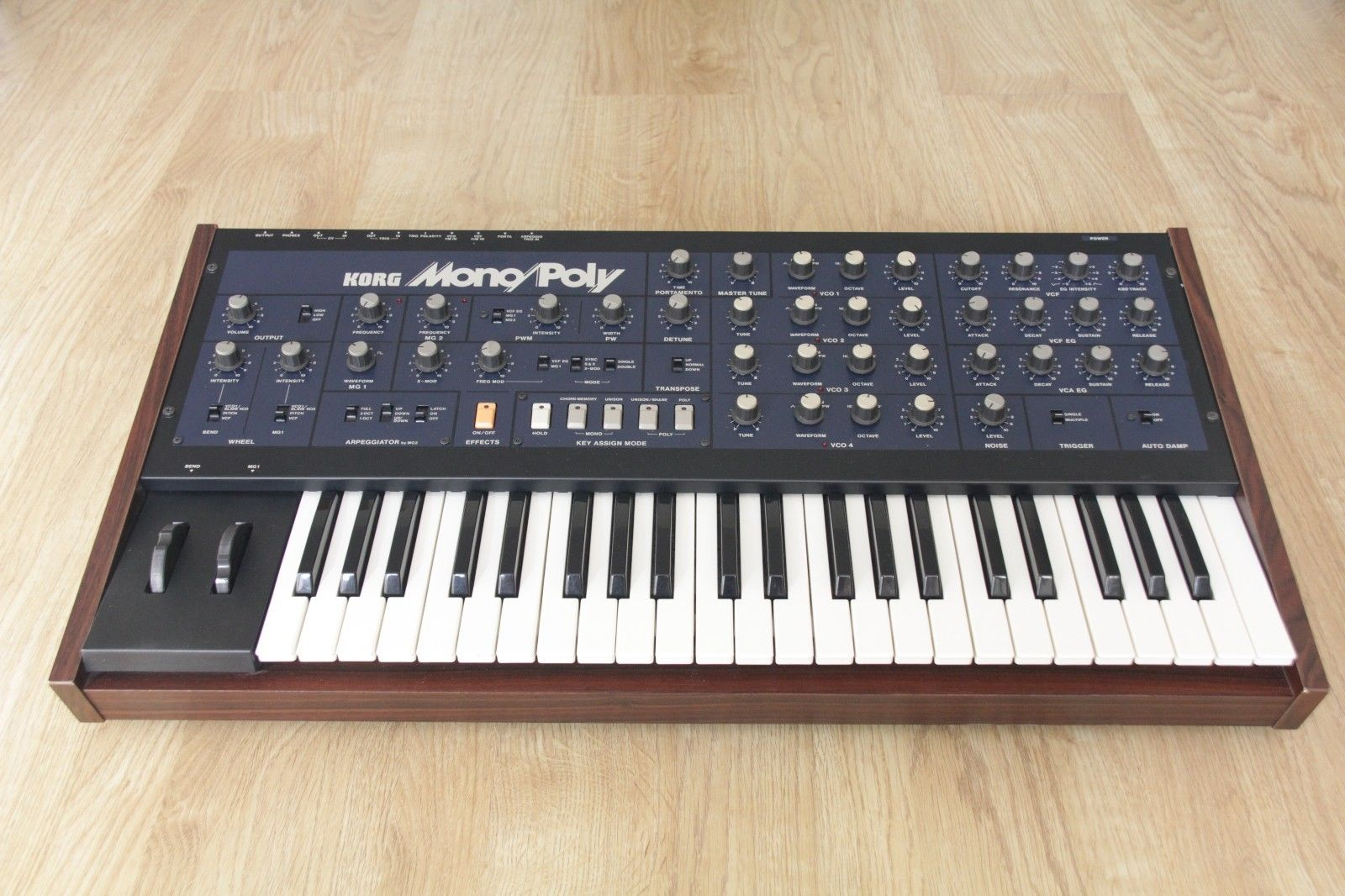 MATRIXSYNTH: Korg Mono/Poly Keyboard Synthesizer SN 378232