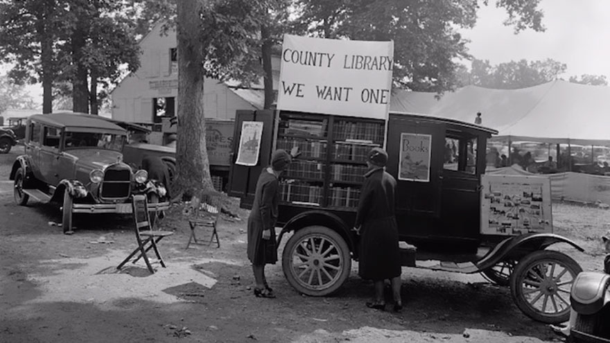 Before Amazon, We Had Bookmobiles 15+ Rare Photos Of Libraries-On-Wheels - Rockville Fair, Maryland, 1928