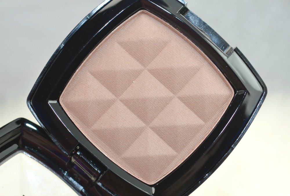 NYX Taupe Powder Blush | The Ultimate Contouring Powder for Pale Skin