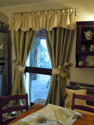 Country the blue dog sartoria d 39 interni tende e cuscini - Tende per cucina rustica ...