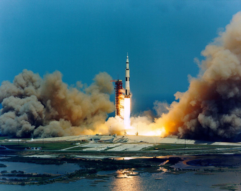 Аполло́н-16 старт 2