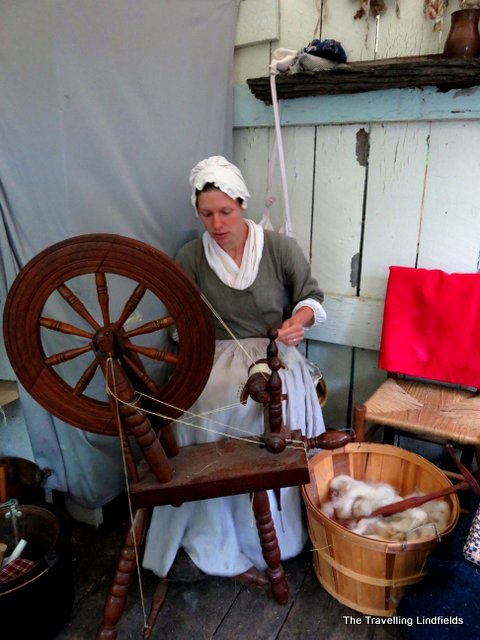 Spining cloth at Claude Moore Colonial Market Fair