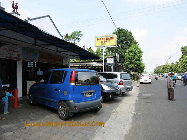 Parkiran Soto Jalan Bank Purwokerto