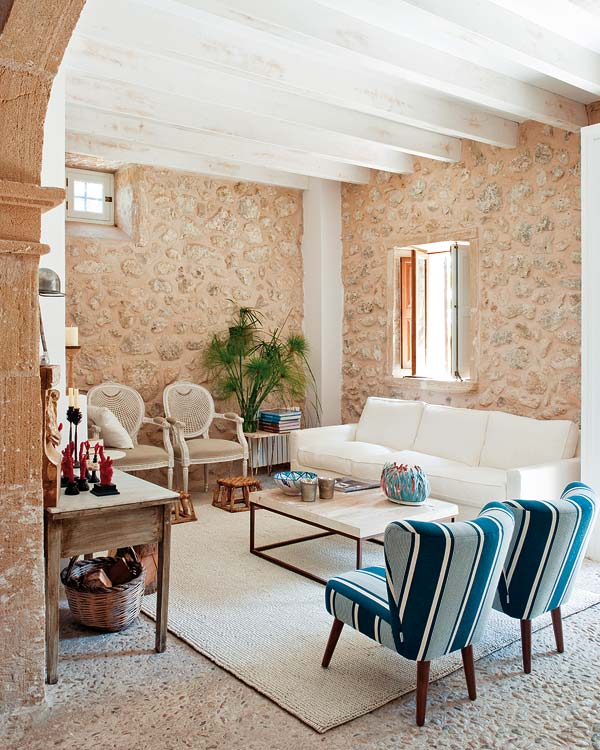 white beams and natural stone walls | Mallorca Country House