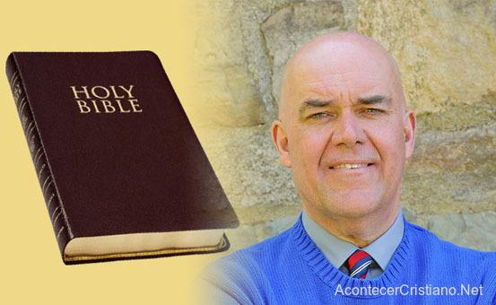 Profesor obsequia Biblia