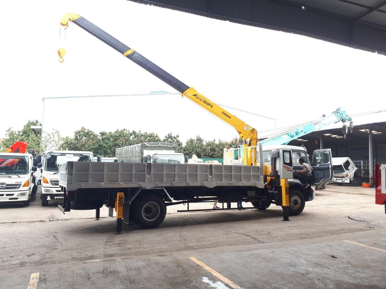 Xe tải cẩu tự hành tại Hải Phòng