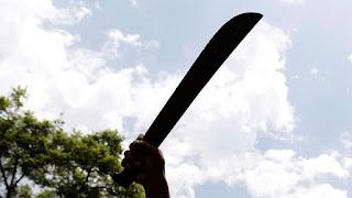 """Dos militares """"se entran"""" a machetazos, palo y trompadas cuando uno sorprendió a otro dentro de su casa"""