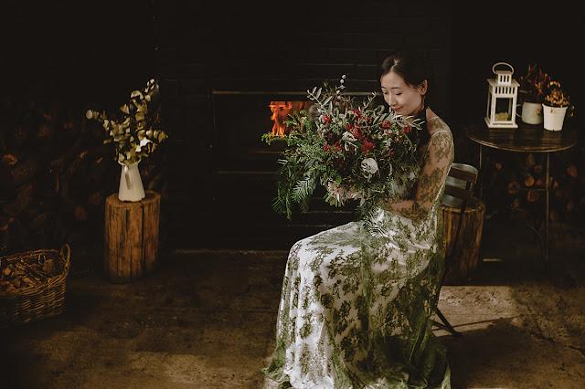 Ramo de novia grande - Vestido de novia verde - Blog Mi Boda