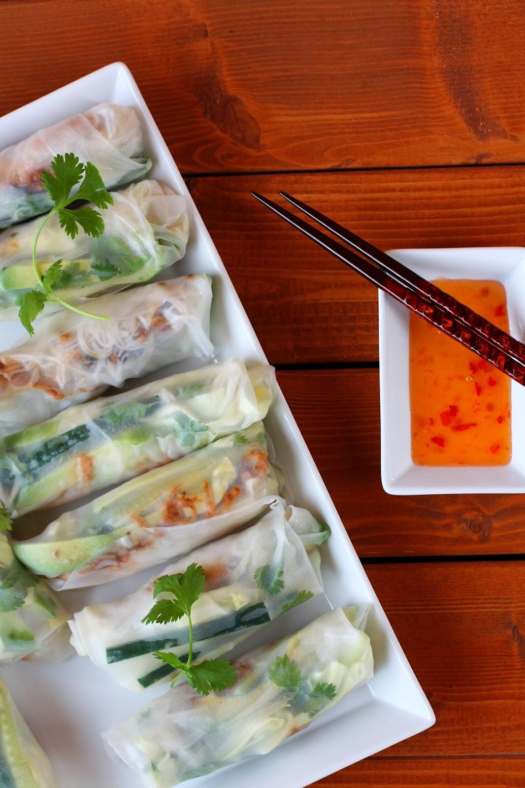 vietnamilaiset kevätrullat spring rolls vietnam nyhtöpossu pulled pork mallaspulla