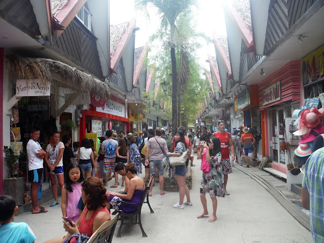 d'mall baracay philippines