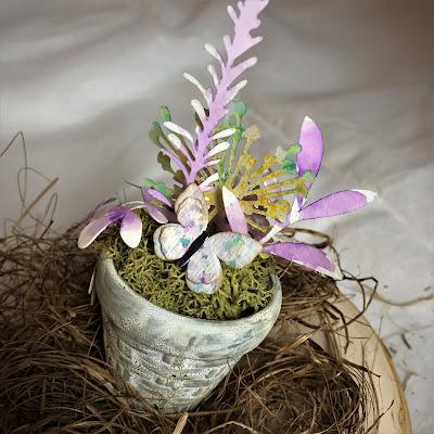 Sara Emily Barker https://sarascloset1.blogspot.com/2019/03/tiny-easter-table-decor.html Easter Table Decor Tim Holtz Sizzix Wildflower Stems Springtime Side-Order 4