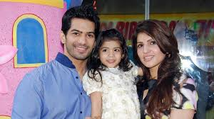 Amit Tandon Family Wife Son Daughter Father Mother Age Height Biography Profile Wedding Photos