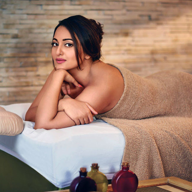 Sonakshi Sinha will make you fall in love in this picture.