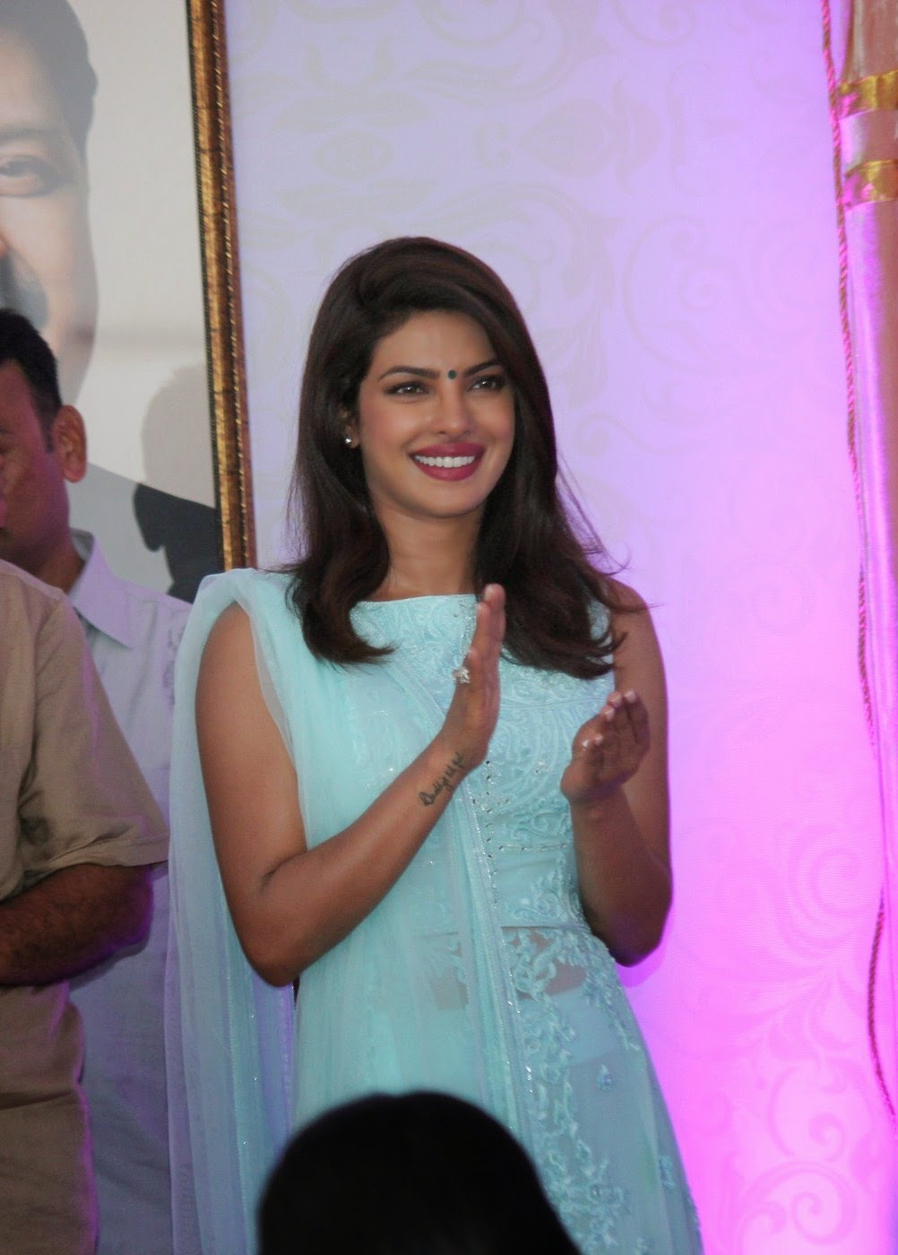 Priyanka Chopra Spicy Smiling Face Closeup Stills
