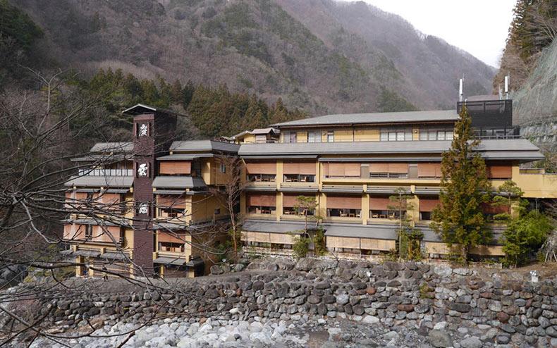 Nishiyama Onsen Keiunkan - el hotel con una antigüedad de más de 1300 años