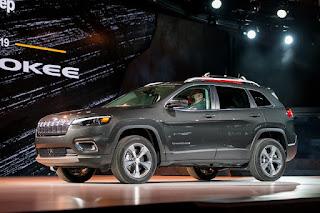 2019 Jeep Cherokee: remaniement, date de sortie, intérieur