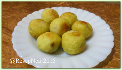 sweet potato ball fill brown sugar at kusNeti kitchen 2015