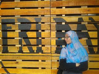 O.S. Oktriwina : Blogger Berhijab Dari Padang