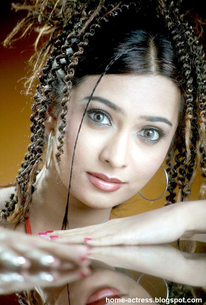 Home-Actressblogspotcom Radhika Pandit-5164