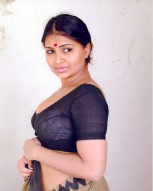 Wallcar: Preethi Rangayani Show Nice Cute Unseen Images