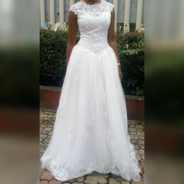 Stella dimoko wedding gowns for sale on stella for Sell your wedding dress for free